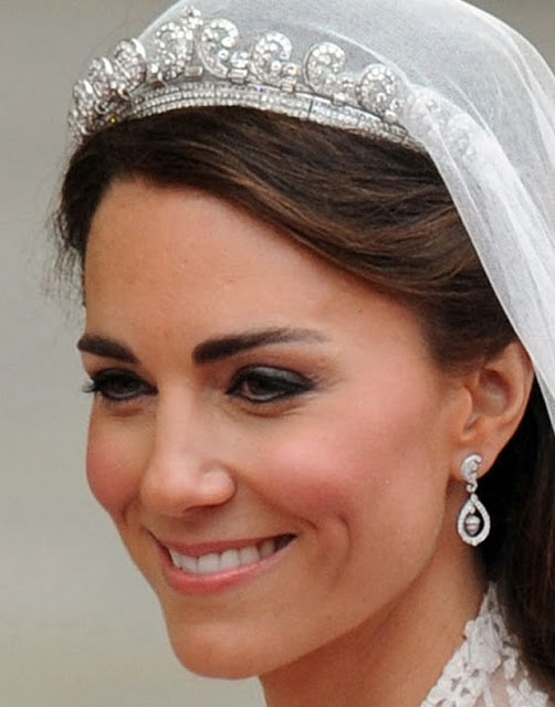 Kate Middleton Wedding Eye Makeup : Kate Middleton Too Much Eyeliner Images and Pictures - Becuo